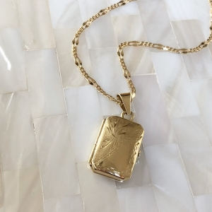 Classic Vintage Gold Locket